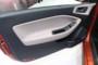foto: Hyundai i20 Coupe 2015 interior puerta [1280x768].JPG